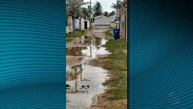 Moradores da Barra dos Coqueiros reclamam de falta de infraestrutura - Moradores da Barra dos Coqueiros reclamam de falta de infraestrutura.