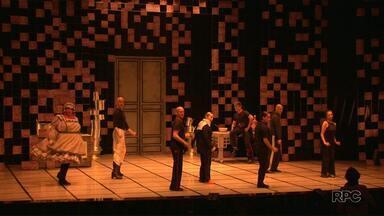 Teatro em Francisco Beltão - A apresentação da peça La Cena é no Teatro da Unisep.