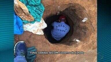 Túnel com oito metros de profundidade é encontrado no presídio de Glória - Túnel com oito metros de profundidade é encontrado no presídio de Glória.