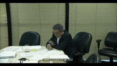 Governador Beto Richa teria recebido dinheiro de propina para campanha - A delação foi feita por diretor de relações institucionais de grupo que controla a J-B-S. O dinheiro era entregue pelo irmão do governador.