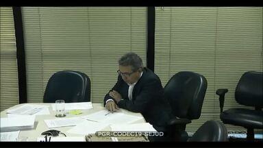 Delator afirma que entregou R$ 1 milhão em dinheiro vivo para irmão de Beto Richa - O comitê financeiro da campanha do PSDB informou que recebeu duas doações do grupo JBS, e que ambas foram declaradas à Justiça Eleitoral.