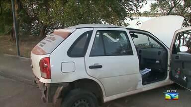 Motorista perde o controle e causa acidente em São Luís - Acidente aconteceu na madrugada desta segunda-feira (22) na Avenida dos Africanos, na capital.