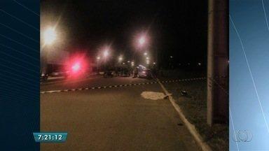 Homem morre após perder o controle da direção e bater moto contra o meio-fio, em Goiânia - Acidente aconteceu no Setor Jardim do Cerrado III.