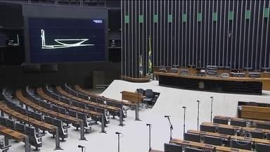 No Congresso, governo e oposição discutem consequências da delação - Câmara e Senado não tiveram sessões. Mas na terça, trabalho deve voltar na Câmara, que tem oito MPs para aprovar.