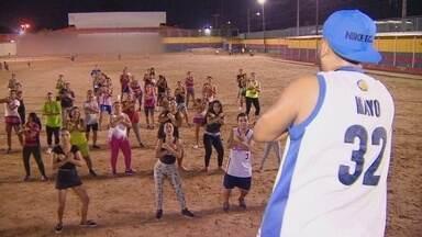 Grupo de professores desenvolve projeto de dança solidária em Manaus - Atividades está movimentando moradores da zona centro oeste da capital.