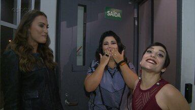 Fabiana Karla e Simone Gutierrez batem papo nos bastidores do 'Ding Dong' - Veja!