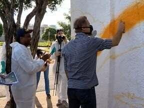 Muro do Centro Cultural Matarazzo recebe manifestação artística - Prédio fica na Vila Marcondes, em Presidente Prudente.