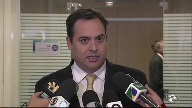 Em Brasília, Paulo Câmara negocia liberação de verba para retomada de obras de barragens - Ministério da Integração Nacional informou que a expectativa é repassar recursos para os estados de Pernambuco e Alagoas em 48 horas.