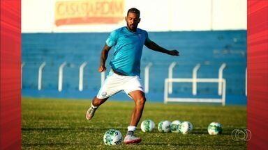 Atlético-GO está perto de anunciar volante que estava no CSA - Destaque do time alagoano, Everton Heleno é aguardado no Dragão.
