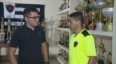 Dico vive grande fase no Belo e promete ainda mais dedicação na busca do acesso na Série C - Atacante conversou com o repórter Lucas Barros e falou da alegria de vestir a camisa do Botafogo-PB