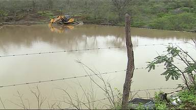 Barreiros da zona rural acumulam água após chuvas em Caruaru - Água vai garantir alimentação do gado e colheita nas plantações por um tempo.