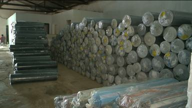 Polícia apreende carga de tecidos em Sousa, no Sertão da Paraíba - A carga de tecidos tinha origem de São Paulo e estava avaliada avaliada em R$ 1 milhão.