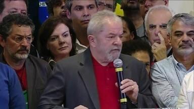 MPF pede condenação de Lula no caso do tríplex do Guarujá - Ex-presidente é acusado de corrupção passiva e lavagem de dinheiro. Procuradores pedem que, se condenado, Lula cumpra a pena preso.