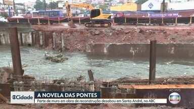 Parte de muro em obra de reconstrução desaba em Santo André - Ponte está sendo reconstruída por ter sido danificada durante as chuvas do início do ano.