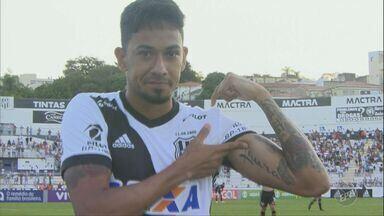 Artilheiro da Ponte Preta, Lucca mostra de onde vem inspiração para goleadas - Macaca ganhou do São Paulo com gol do jogador; Time enfrenta o Atlético Goianiense em próxima partida.