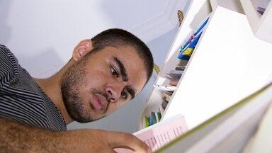 Vestibular em medicina - O estudante Felipe conseguiu a façanha de ser aprovado em seis universidades publicas de medicina do país.