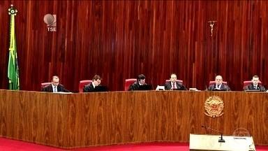 Por 4 votos a 3, TSE rejeita cassação da chapa Dilma-Temer na eleição de 2014 - Maioria dos ministros do Tribunal Superior Eleitoral entendeu que não houve abuso de poder político e econômico na campanha eleitoral, como argumentava o PSDB no pedido de cassação.