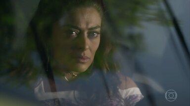 Bibi decide ir atrás de Jeiza para tirar satisfações - Aurora se preocupa com a filha