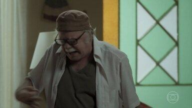 Abel não se conforma com o fim do noivado de Zeca - Ele se preocupa com a proximidade de Ritinha com Zeca