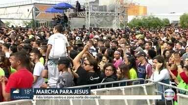 Multidão se reúne na Marcha para Jesus no Dia de Corpus Christi - O feriado de Corpus Christi está cinzento, mas cheio de comemorações na Grande São Paulo.