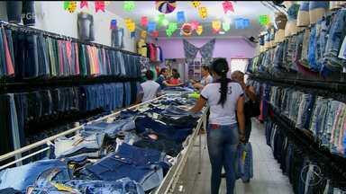 Em Salgueiro, o comércio já se aqueceu por conta da chegada do São João - Os lojistas esperam vender ainda mais até o dia 24.