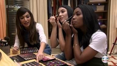 Bianca Andrade e Camila Nunes mostram como aplicar sombras coloridas - Patrícia Poeta mostra as dicas de maquiagem com a dupla