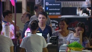 Encontro de comidas sobre rodas anima fim de semana em Manaus - Evento ocorreu na Zona Oeste da capital.
