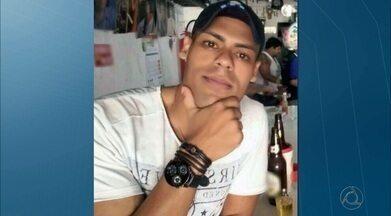 Vendedor é assassinado dentro do Parque do Povo, em Campina Grande - Davisson Barbosa, de 30 anos, pode ter sido assassinado durante uma tentativa de assalto, na saída do banheiro.