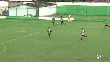 Leandro Costa faz três gols, e Central vence o Coruripe de virada - Gol da vitória do time pernambucano foi marcado aos 47 do segundo tempo