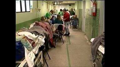 Superlotação do Pronto Socorro dá uma trégua - Mesmo assim mais de 40 pessoas esperam por um leito.