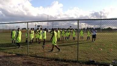 Americano se prepara para enfrentar Serra Macaense na tarde deste sábado - Assista a seguir.