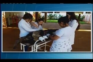 Tamanduá-bandeira é resgatado ferido em fazenda de Araxá - Animal irá passar por cirurgia em hospital veterinário em Uberaba.