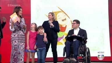 Livro mostra potencial de crianças com Síndrome de Down - Inspirada pela filha Clarissa, Alessandra lançou um livro para contar as aventuras da menina. Rodrigo Mendes defende a importância da educação inclusiva