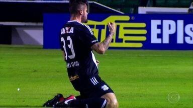 Figueirense vence o Goiás e deixa a zona de abaixamento da Série B - Confira os gols da rodada da Série B.