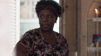 Das Dores diz a Ellen que a situação de Keyla é complicada - Ellen, Tina e Benê vão ao encontro de Keyla na lanchonete