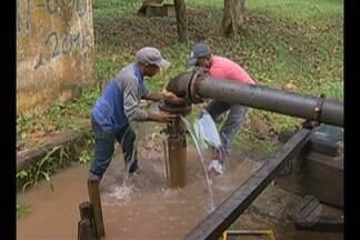 Moradores de São Miguel do Guamá enfrentam a falta de água na cidade - A empresa responsável pela abastecimento desfez o contrato com a Prefeitura e paralisou a manutenção no sistema.