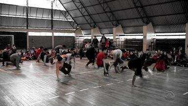 Projeto reúne alunos para praticar danças urbanas em escola de Arroio dos Ratos - Assista ao vídeo.