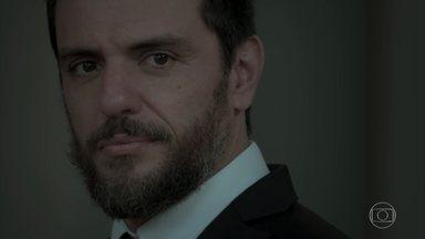 Caio lembra de seu passado com Bibi - Ruy e Ritinha chegam no casamento de Caio e Leila