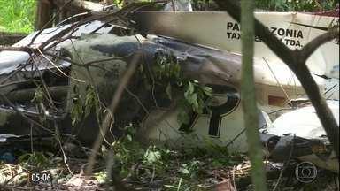 Avião cai e quatro pessoas morrem em Roraima - Um dos passageiros conseguiu sobreviver e foi internado em estado grave. A empresa disse que o monomotor estava com a manutenção em dia.
