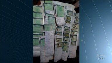 PRF apreende 27 carteiras de habilitação de motoristas bêbados, em Uruaçu - Operação aconteceu após show na cidade.