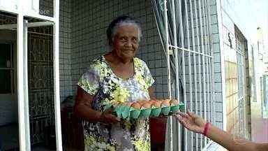Comércio ambulante de ovos faz sucesso no nordeste - O delivery de ovo divide opiniões na cidade de Aracaju. Alguns moradores reclamam do barulho feito pelos carros que anunciam a venda, outros comemoram a comodidade e o preço