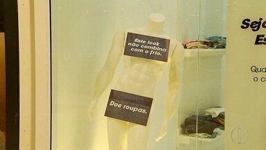 Cabo Frio, RJ, recebe campanha de doação de roupas - Confira a seguir.