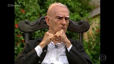 'Encontro' homenageia Ariano Suassuna - Escritor paraibano completaria 90 anos se estivesse vivo. Ariano Suassuna também é homenageado em musical com músicas de Chico César