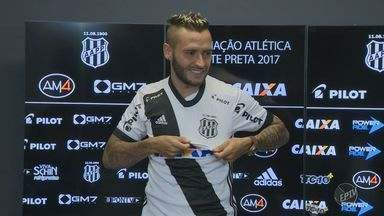 Ponte Preta apresenta novo volante Jean Patrick - Jogador veio por empréstimo e deve continuar até o final do Campeonato Brasileiro de 2018.