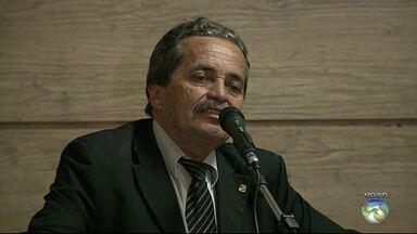Ex-vereador de Caruaru, Zé Ailton morre aos 64 anos - De acordo com informações da filha do político, Aline Nascimento, ele teve uma forte dor de cabeça na noite de segunda-feira (3), foi medicado e deitou. Ainda não se sabe a causa da morte.