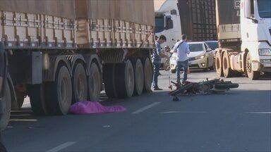 Acidente grave em Ji-Paraná deixa um motociclista morto - Piloto seguia sentido Ouro Preto do Oeste.
