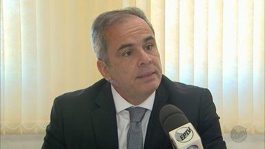 Julgamento de ex-policial civil acusado de matar dois jovens está no segundo dia - Segundo a Promotoria, Ricardo José Guimarães chefiou grupo de extermínio que atuou de 1996 a 2002 em Ribeirão Preto.