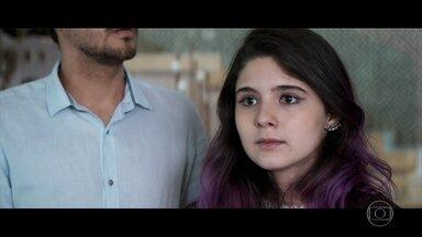Amanda descobre que Egídio é filho dos Brau - Ela vai até a casa dos cantores com Andrea e Henrique