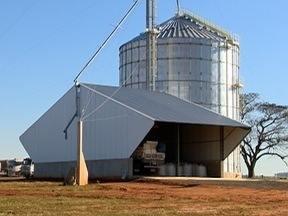 Associação de produtores constrói silo em João Ramalho - Local tem proporcionado vantagens aos homens do campo.