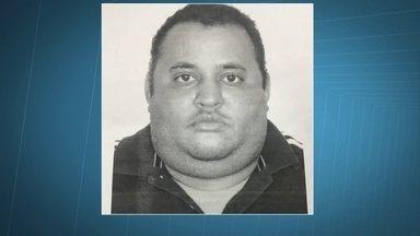 Frentista é preso em flagrante por clonar cartões dos clientes - Ronaldo Dantas Nunes de 33 anos que trabalhava no posta há 8 anos disse que ganhava 20 reais por cartão clonado.